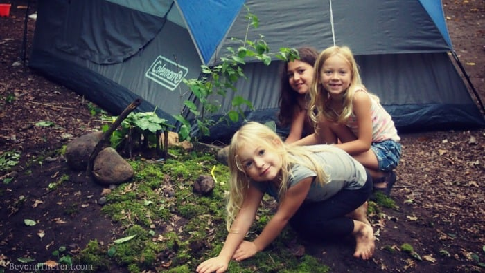 how-to-build-fairy-houses-with-kids-camping.jpg