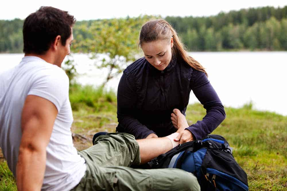 Wilderness First Aid Basics: Surviving Injury In The Outdoors 1