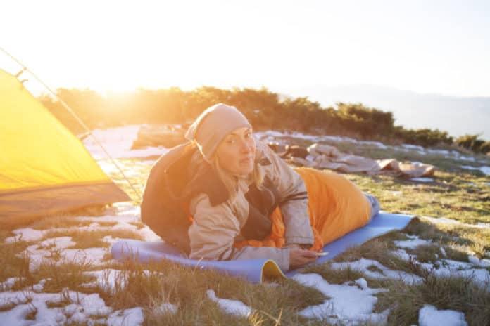 winter camping sleeping bag and sleeping pad