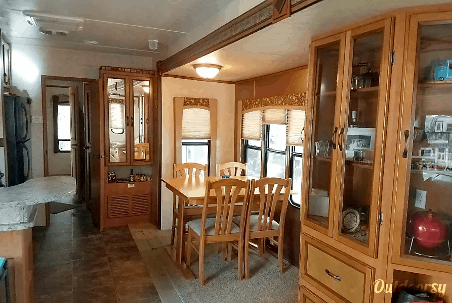 Towable Camper Rental in Chicago