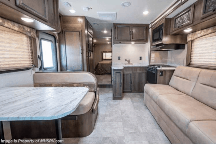 12 of the Best RV Rentals in Chicago Illinois 9
